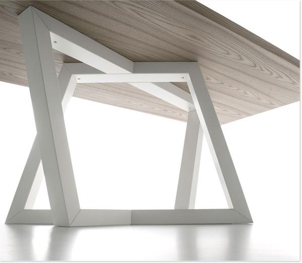 Die Eleganz der Geometrie - Tisch Dedalo