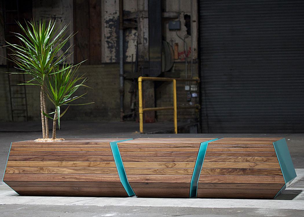 Boxcar Bench von Revolution Design House